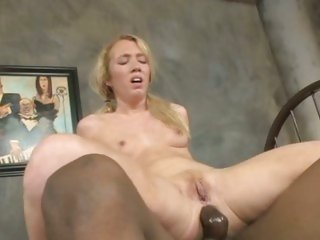 Filthy Nicki Blue loves getting her anus stretched