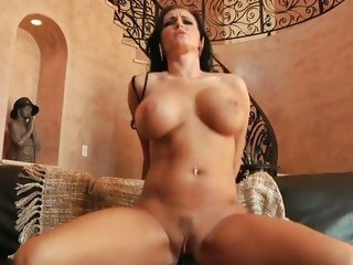 Jenna Presley uses her soaked muff to milk a cock