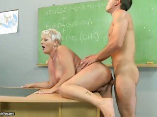 Hot teacher Cecily takes a thick 10-Pounder in her fur pie from behind