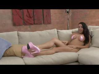 Jessica Bangkok shakes her big natural tits