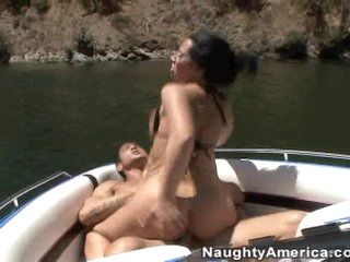 Jayden James fills her mouth with throbbing cock and is rewarded with a facial