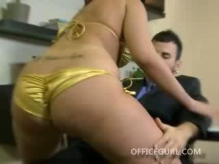 Brunette office slut sucking cock on her lunch break