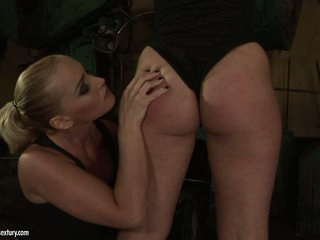 Kathia Nobili slut use whip to a horny babe