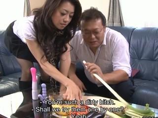 Japanese slut Sayuri Shiraishi masturbating
