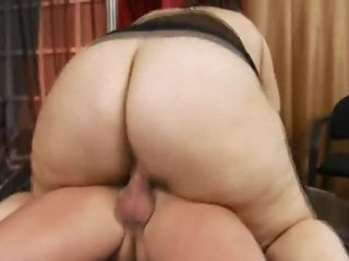 A super chubby bitch that loves dick