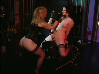 Yielding Claire Adams Loves Being Tortured With a Fucking Machine