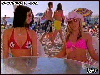Nice-looking Babes Shelly Cole and Teal Redmann Having Fun In Bikini