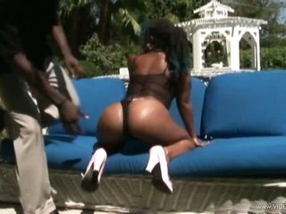 Ebony Babe With a Massive Booty Gets Fucked and Facialized Outdoors