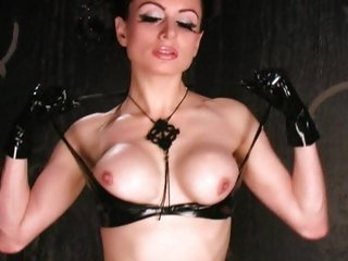Sassy Alexis Ford strips off her hawt rubber outfit