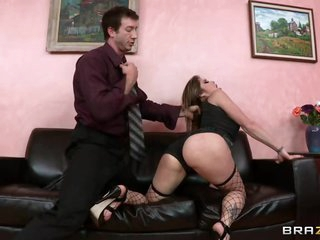 Sizzling Felony gets a coarse & tumble on the sofa