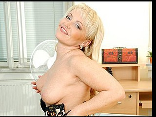 Anilos grandma rides a shlong with her experienced cougar slit