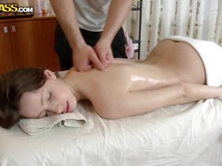 oiled white beauty likes cock