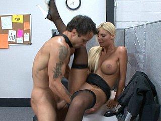 Blondie in stockings gets screwed by coworker