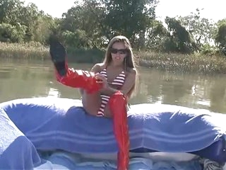 Handjob on a boat from really beautiful girl