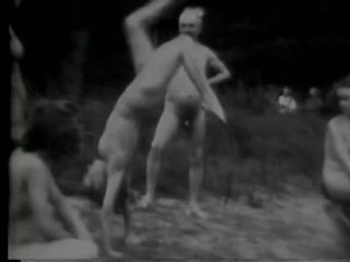 Lesbian Women Get Fucked in a Threesome - Black and White Classic Porn Vid