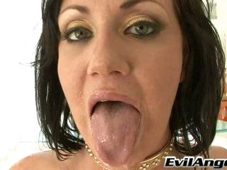 Valerie Luxe show out her tongue with cum load
