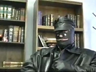 Kinky leather sucking and fucking fun