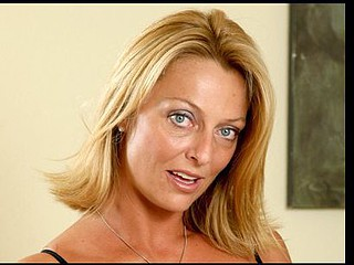 Desirable mother i'd like to fuck sweetheart Brenda James tortures her swollen love button with a purple vibrator