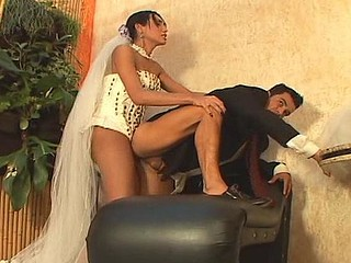 Isabelli desirous shemale bride