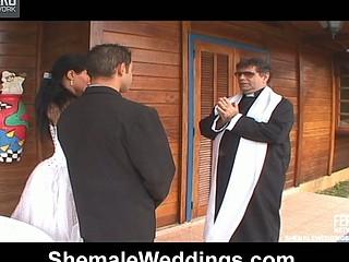Aline sweet shemale bride