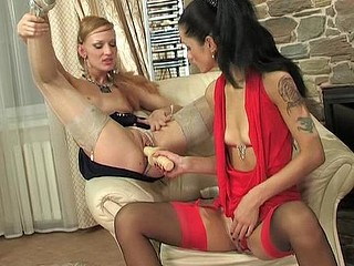 Emmie&Emilia great nylon action