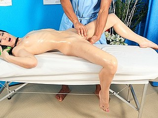 Sexy hottie in real sexy porn massage movie