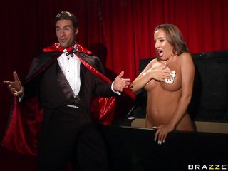 richelle ryan gets her tits fucked