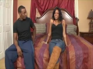 He watches black hottie use a toy