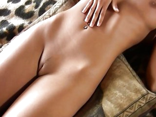 Very hawt blonde masturbating on sofa