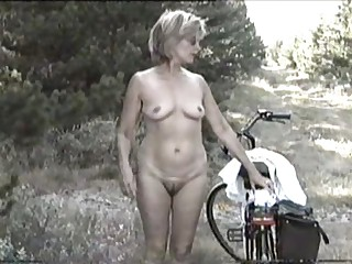 MARION from hairy Germany with unshaven Armpits 04 - Eine geile, ungepflegte Drecksau?