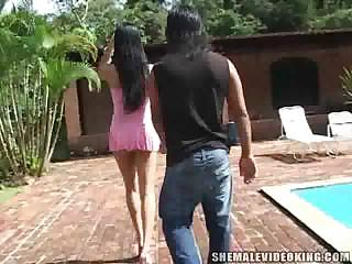 Leggy Latin babe TS in outdoor madness