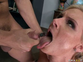 Phoenix Marie let a thick whitish fluid flow on mouth
