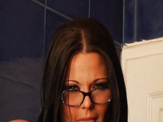 Simony Diamond with glasses