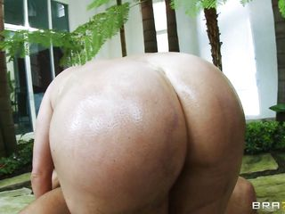 sexy krissy lynn takes a cock in the ass