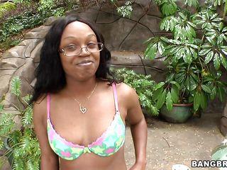 tattooed ebony babe showing her juicy ass
