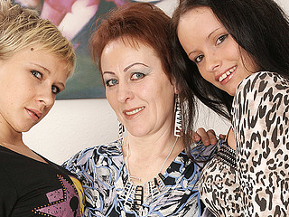 Three old and juvenile lesbos pee and have fun