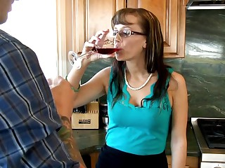 After a short conversation buddy owns sexy MILF on kitchen's table