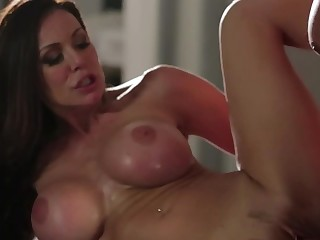 Cocksucking milf Kendra Lust fucks a hunky guy