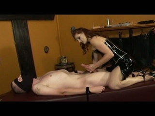 Goddess gemini shows her slave the meaning of pain