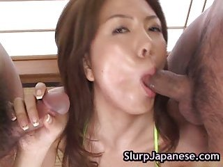 Yuka Koizumi incredible double blowjob