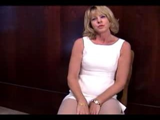 Mature Golden-haired masturbante in pantyhose and sextoy
