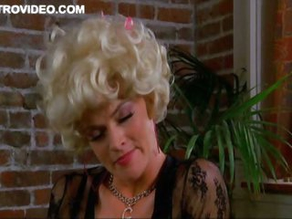 Missi Pyle Doesn't Hesistate To Give a Blowjob In a Coffee Shop