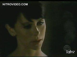 Mesmerizing Brunette Jennifer Love Hewitt Wearing a Sexy Tight Dress