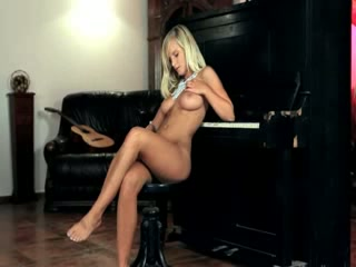 titty blonde toying snatch on the piano