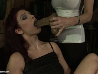 Mandy Bright force a dildo to hawt babe's mouth