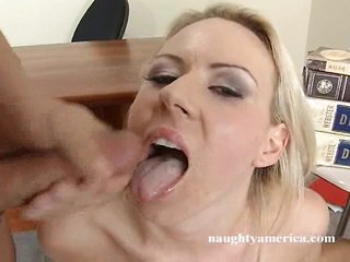 Carolyn Reese fills her throat with a massive meat penis
