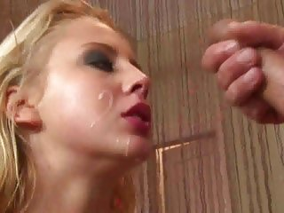 Mandy Dee gets her face plastered with hot cum