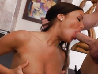 Hottie Angelica Heart gets her slippery throat slammed