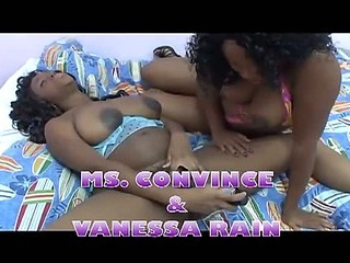 Pregnant ebony lesbians playing in bed