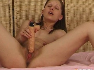 Teen girl fucking herself